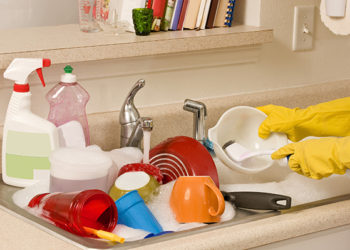 How Much Should a Professional House Cleaning Service Charge?